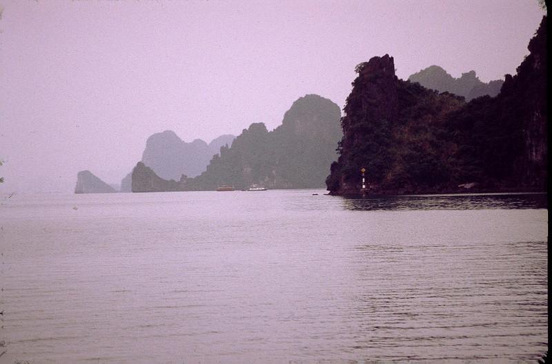 VietnamSingapore1_100.jpg