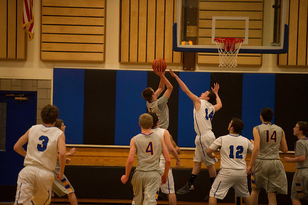 2014 MHS BOYS BB @ SUTHERLIN