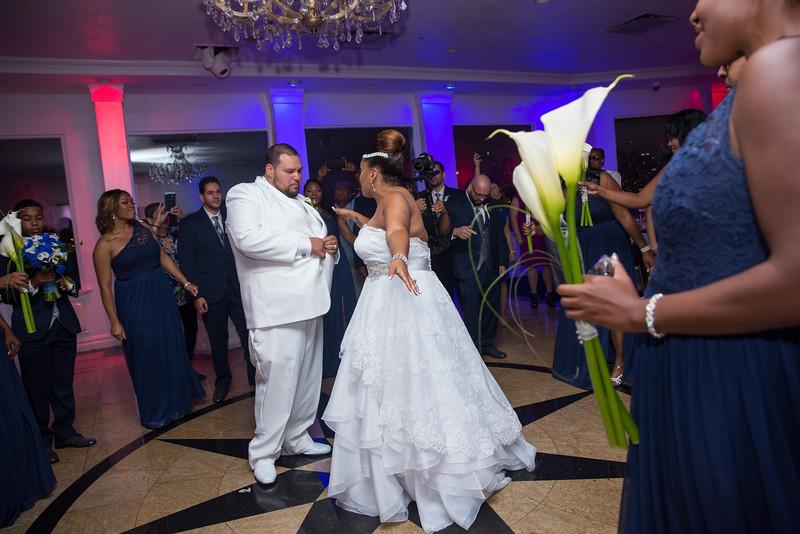 MER__0869_tonya_josh_new jerrsey wedding photography.jpg