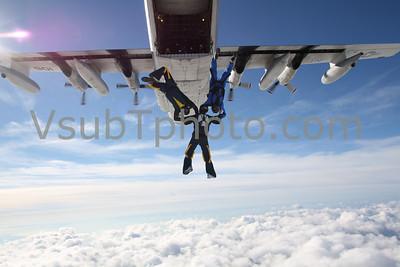 2010-12-04 USNA USMA C-130 Jumps