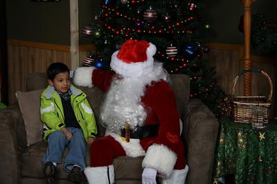 Santa Photos Thurs 2pm to 5pm