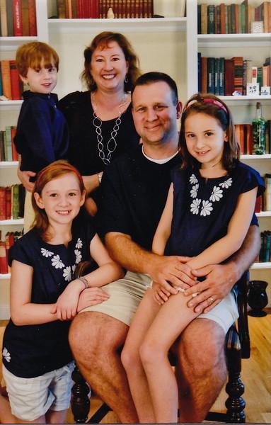 153-FamilyPortrait2.JPG