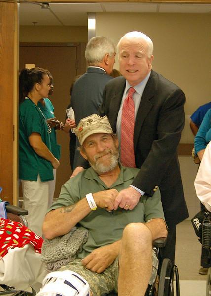 Sen McCain PVAHCS Visit 5-1-2010 5-24-16 PM.JPG