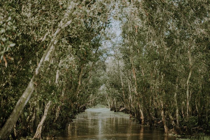 Tu Nguyen Wedding Mekong River Elopement Can Tho  - Southern Vietnam 16.jpg