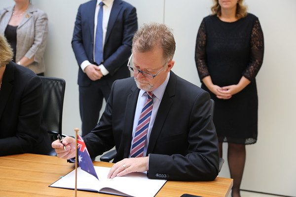 2018-09-21-Signing-Ceremony-Australia-MRA