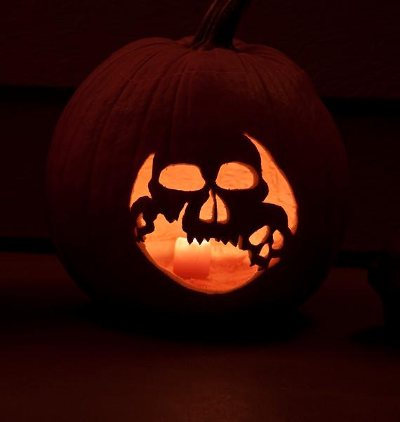 pumpkin_skulls.jpg