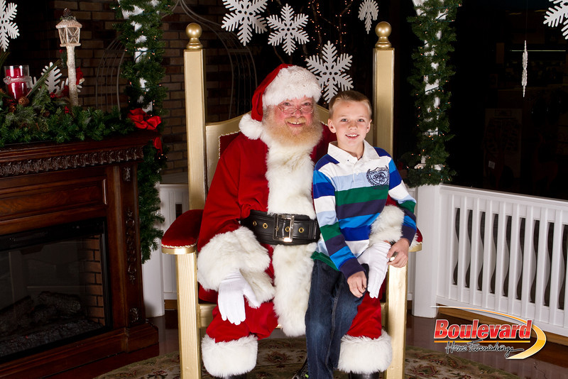 Santa Dec 15-55.jpg