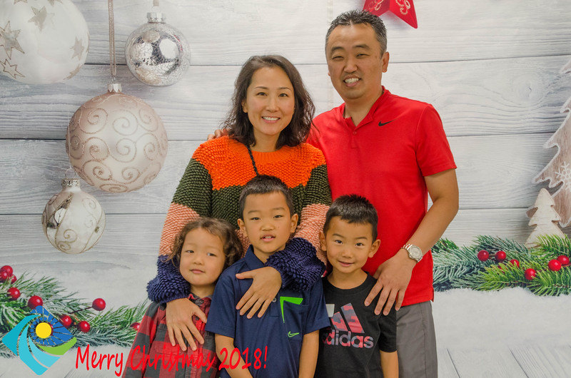Christmas Photobooth 2018 Sunday-106.jpg