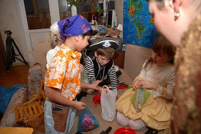 2006-12-10, Pirates
