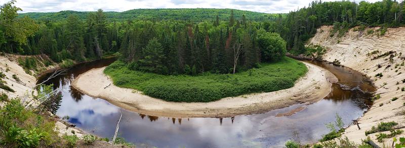 Arrowhead-Provincial-Park02.jpg