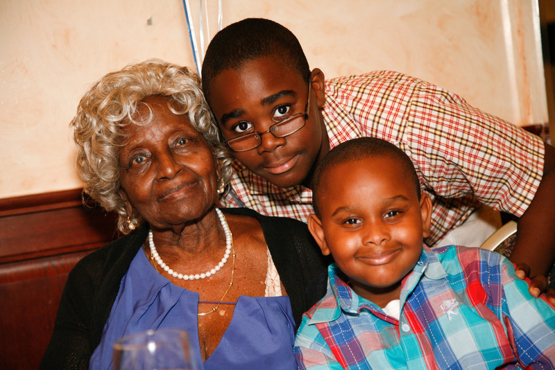 Edouard Family Reunion-3621.jpg