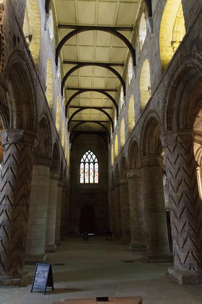 Dunfermline Abbey - 06.jpg
