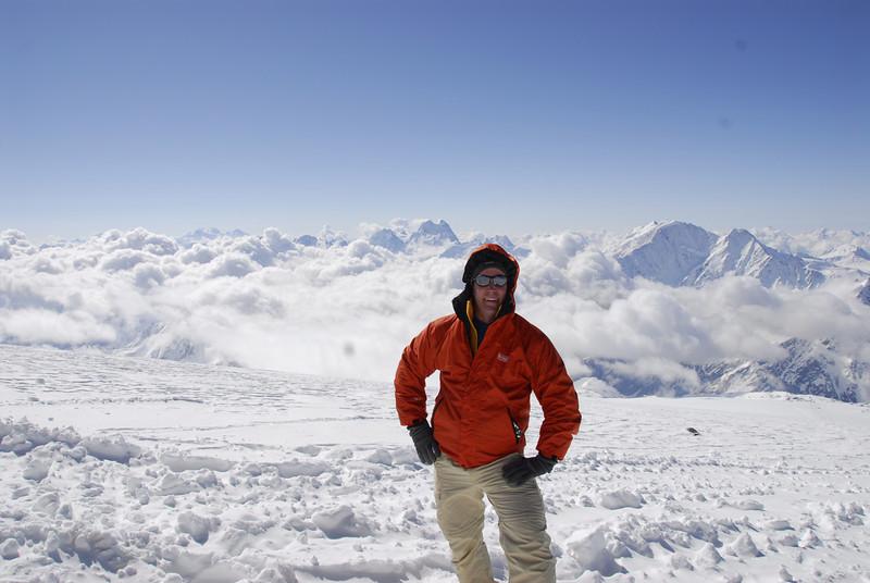 080502 1982 Russia - Mount Elbruce - Day 2 Trip to 15000 feet _E _I ~E ~L.JPG