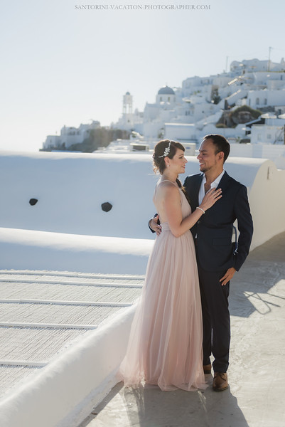 Santorini-post-wedding-photo-shoot-honeymoon-sessio-couples-session--9.jpg