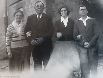 Group photo of Alice and William Mitchell with Cyril and Florence Ricketts