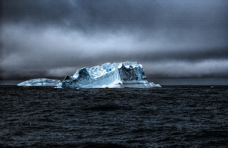 icebergs 3-Edit.JPG