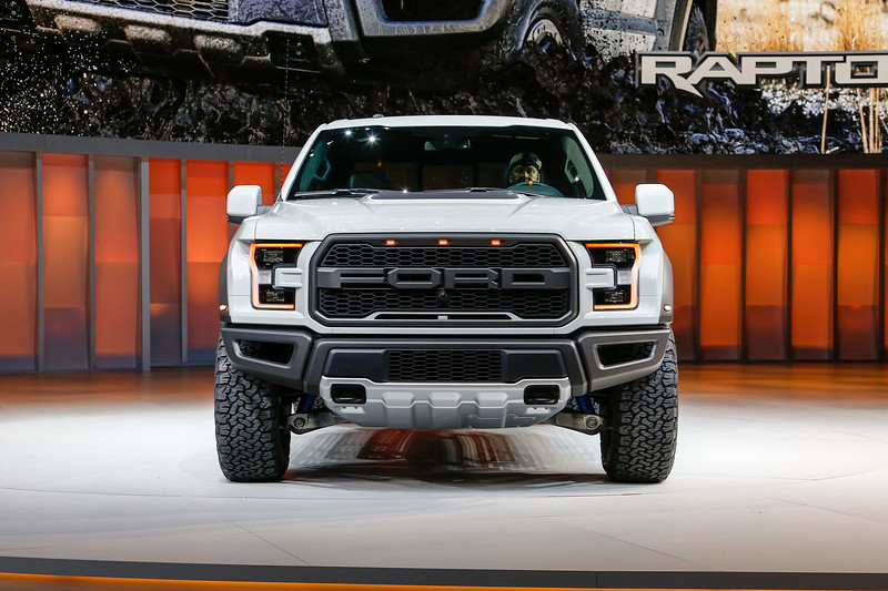 2017-Ford-F-150-Raptor-SuperCrew-front-end-01.jpg