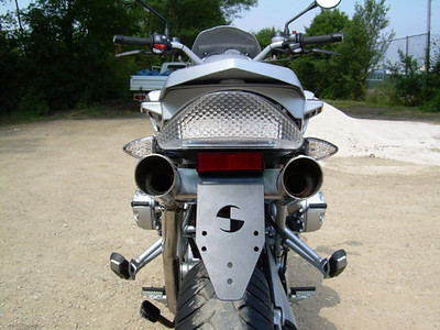 r1200gs_hattech_twin_inderseat_exhaust2.jpg