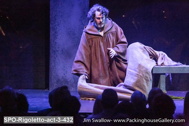 SPO-Rigoletto-act-3-432.jpg