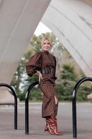 ALEXANDRIA : Lindsay Evans : The Hive