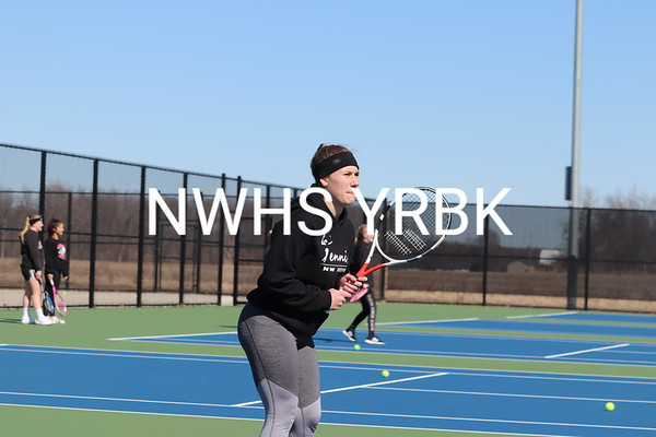Girls Tennis 2018-19