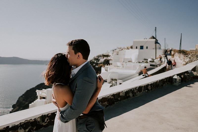 Tu-Nguyen-Destination-Wedding-Photographer-Santorini-Elopement-Alex-Diana-24.jpg