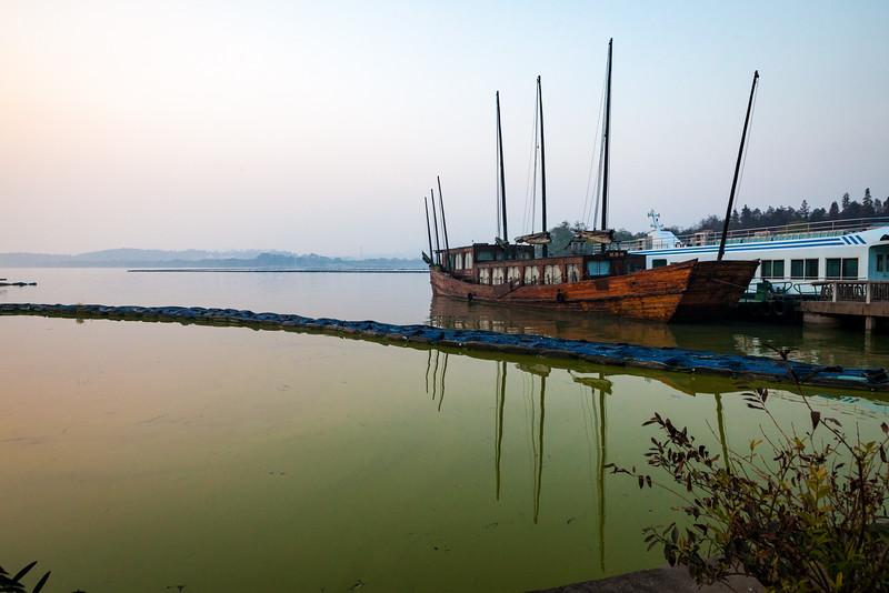 Boats - Taihu Lake - Wuxi, China.jpg