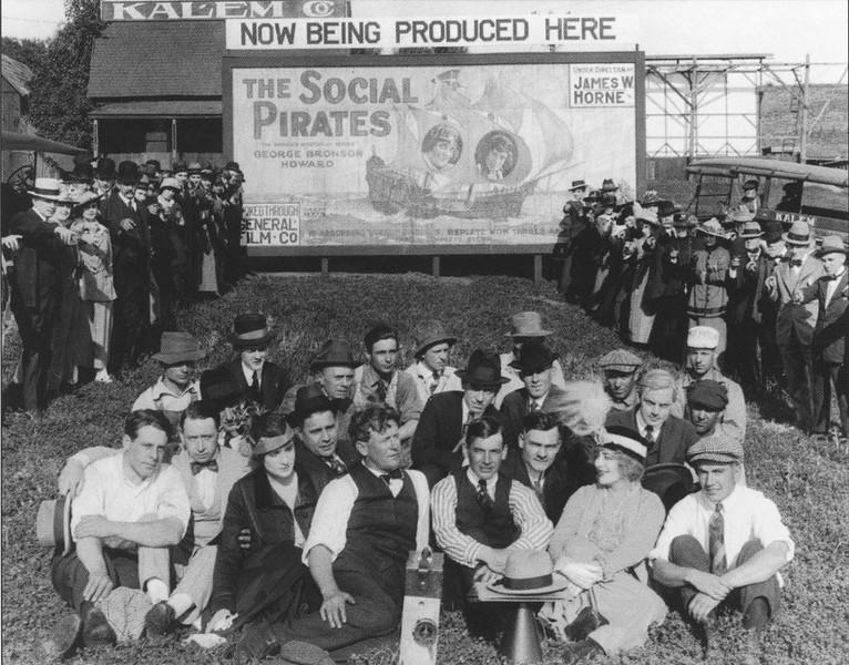 1915-HollywoodThen_amp_Now-040a.jpg