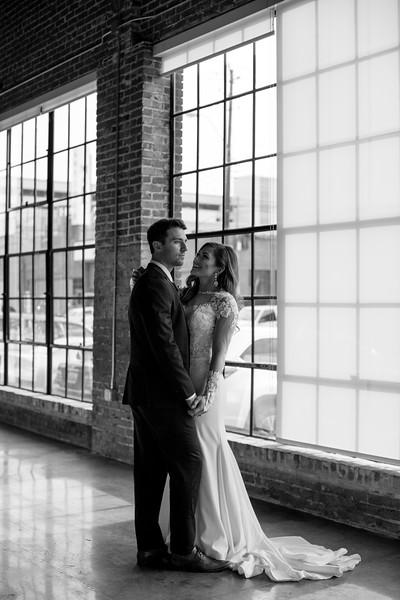 Kate&Josh_B&W_ZACH.WATHEN.PHOTOGRAPHER-315.jpg