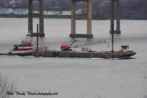Hey uall tis been a while and new to my collection today 1/9/19 at 10:17 hd hrs I spy from my perch Coeymans Marine Towng's tug Daisy Mae souhbound. Always amazed on capisitysT he tug's capacities are 33,000 gallons of fuel, 8,000 gallons of fresh water, 500 gallons of lube oil, 1,000 gallons of waste oil, and 1,000 gallons for zero discharge provisions. Then FRIGHT train tooling by in my back yard
