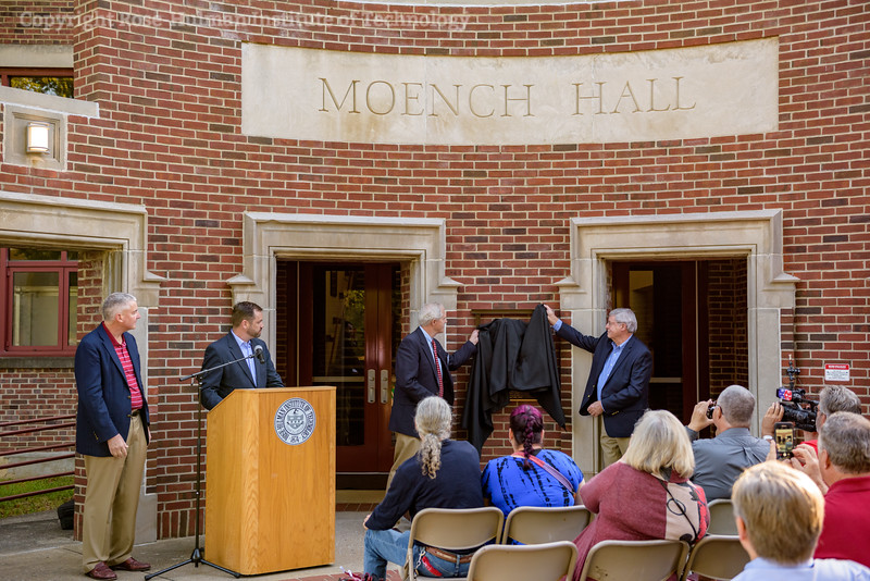 RHIT_Homecoming_2017_Moench_Bust_Dedication-21902.jpg