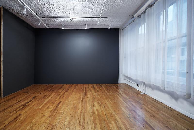 studio002.jpg