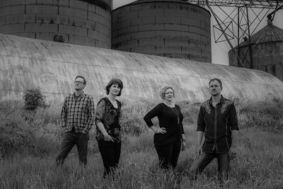 Readers-Band-Silo