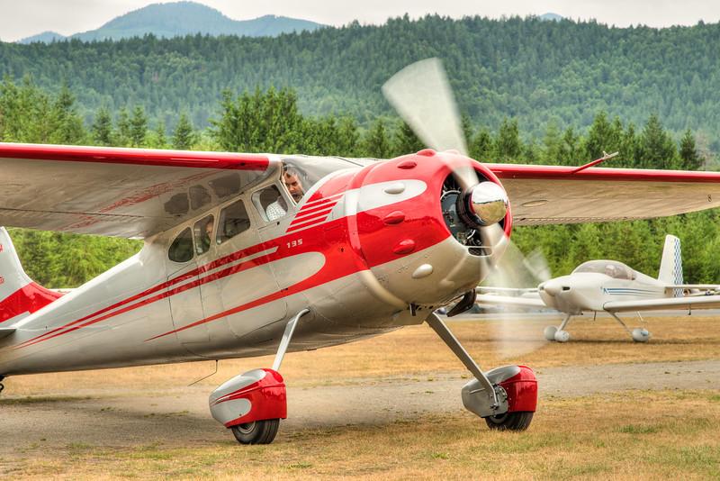 Fly-In-4182_TM.jpg