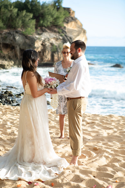 kauai wedding on shipwrecks-21.jpg