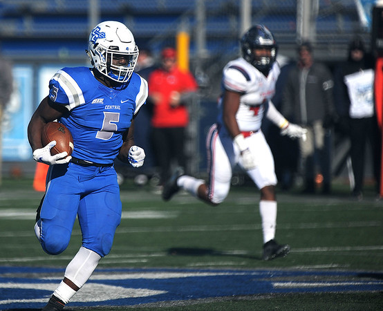 11/16/2019 Mike Orazzi | StaffrCentral Connecticut State University's Danley Exilhomme (5) against Robert Morris University at Saturday's football game in New Britain. r