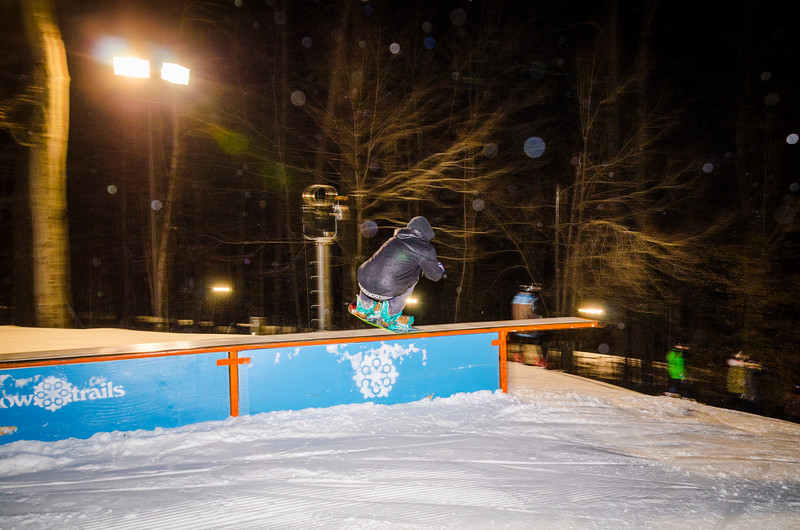 Nighttime-Rail-Jam_Snow-Trails-51.jpg