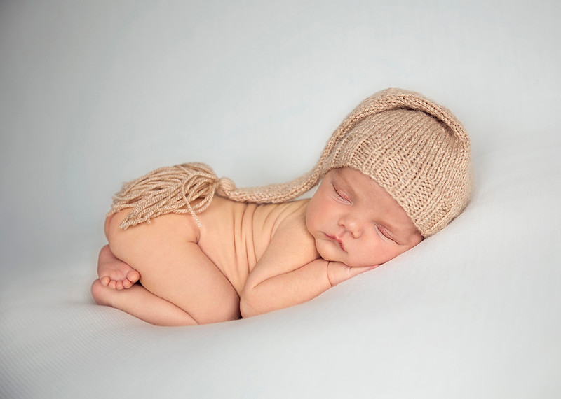Natural_Newborn_Photgrapher.jpg