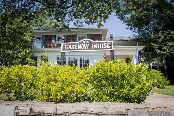 """""""Paparazzi"""" - NWMF & Gov. Nikki Haley visit the Gateway House"""