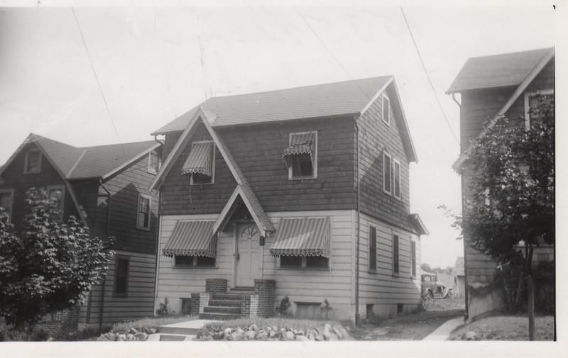1535 ROSE TERR 1930.jpg