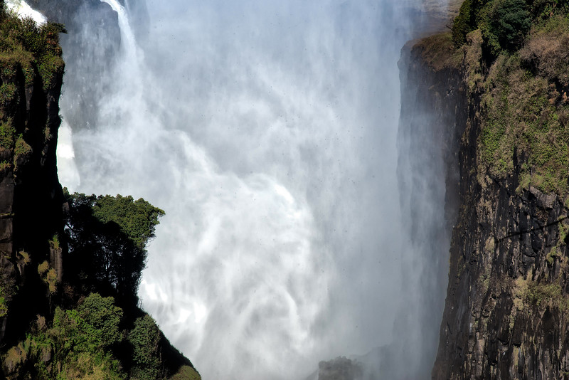 2014-08Aug23-Victoria Falls-S4D-2.jpg