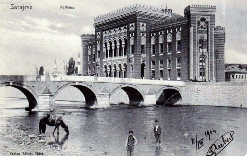 Vijecnica 1904.jpg