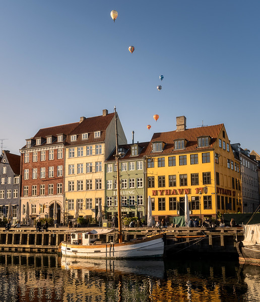 air ballon nyhavn copy.jpg