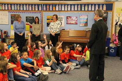 Lynch Visits North School Mulan Students