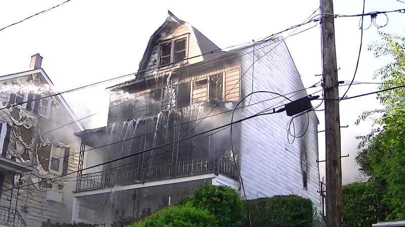 Coal Township House Fire HD Videos 7-4-2013 004.MTS