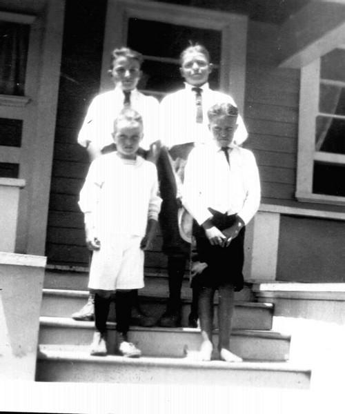 Lyle & Carl, Glenn & Dwight Foote