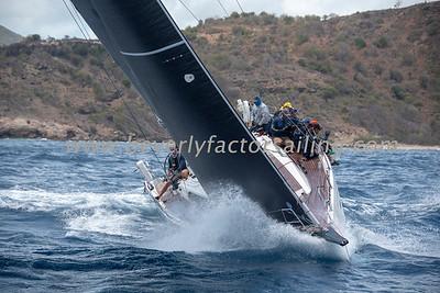 SONRISA - Under Sail