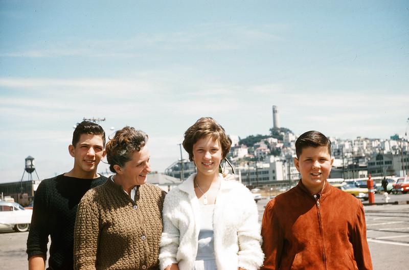 1960 John, Sue, Greg & Jeanne.jpg