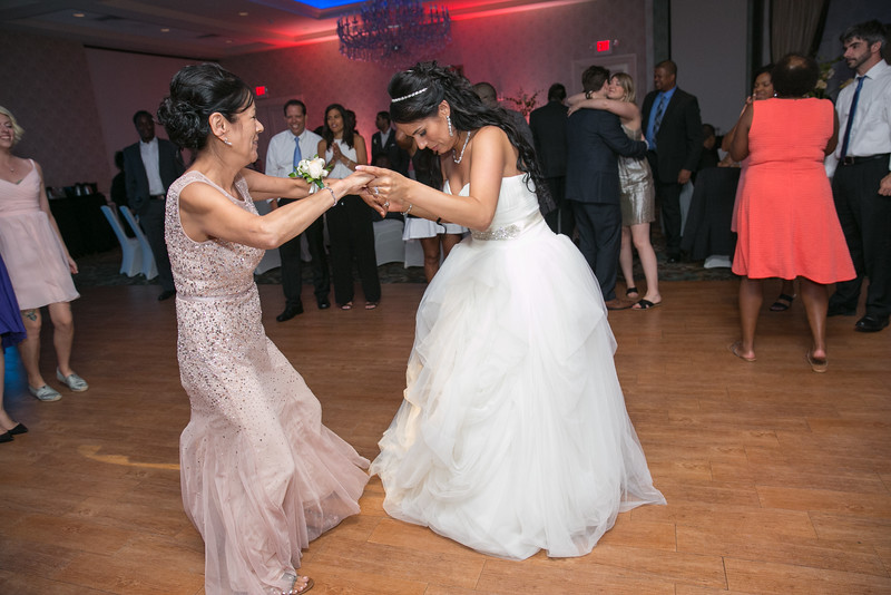 27_speeches_ReadyToGoPRODUCTIONS.com_New York_New Jersey_Wedding_Photographer_J+P (1122).jpg