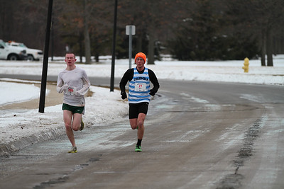 2 mile mark Gallery 1 - 2013 Riverview Winterfest